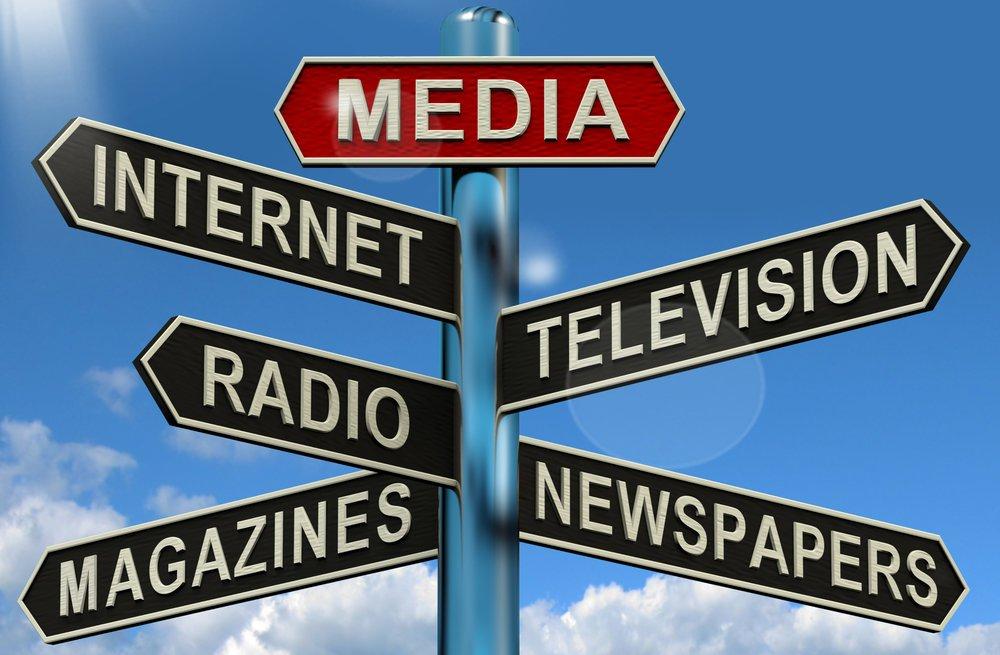 Los medios de información, entre dictaduras yanarquías.